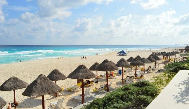 spring-break-in-cancun-beaches.jpg