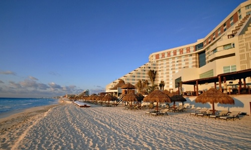 cancun-pet-friendly-Club-Melia-ME-Cancun