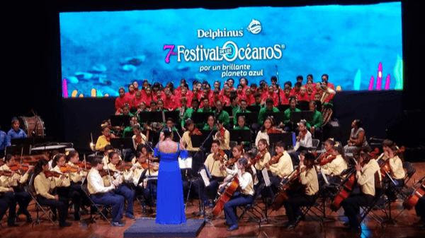 Delphinus festivals oceans