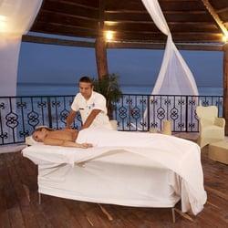 Delphinus spa rainy day Cancun